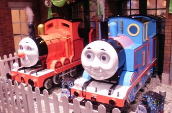 トーマス、ジェームスと記念写真!